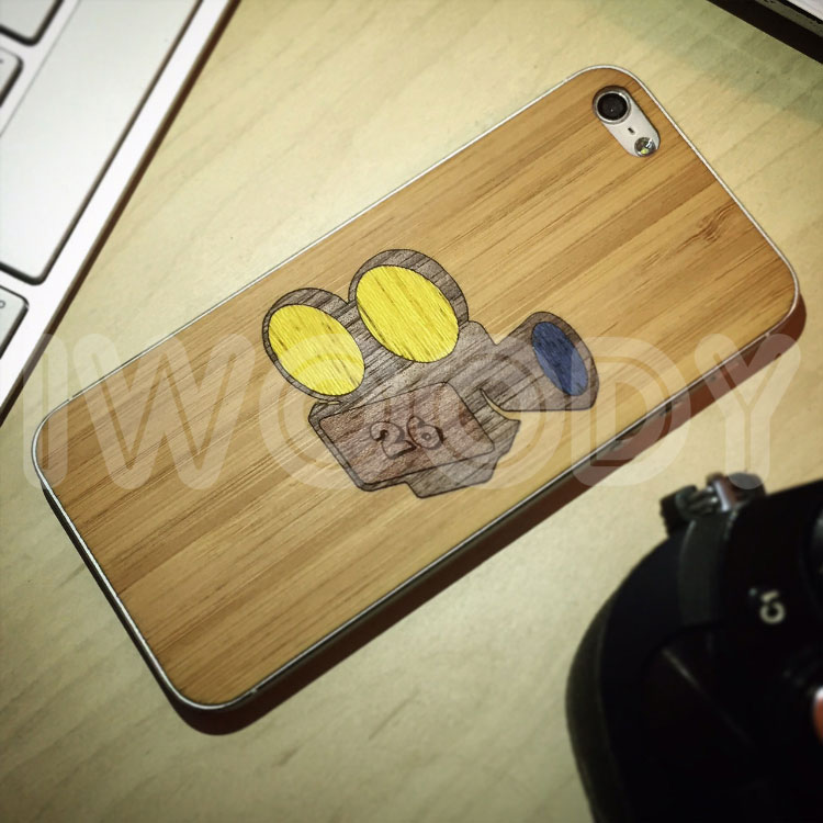 Деревянная накладка на iPhone 6/6s с инкрустацией камеры из 4х разных пород дерева