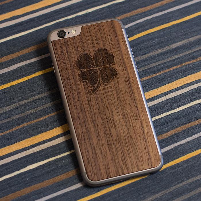 Деревянная накладка на iPhone 6/6s с гравировкой на дереве орех