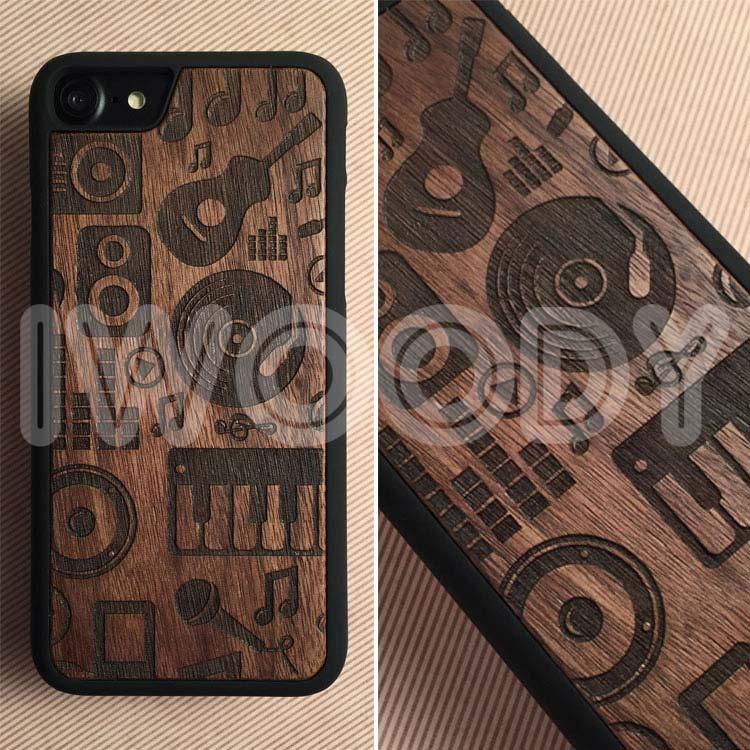 """Чехол серии """"Deep"""" на iPhone 7 с гравировкой на орехе 1.5мм"""